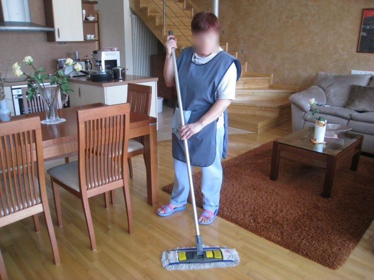 Patalpų valymas. Atliekame kasdienius namų, kotedžų bei butų tvarkymus.